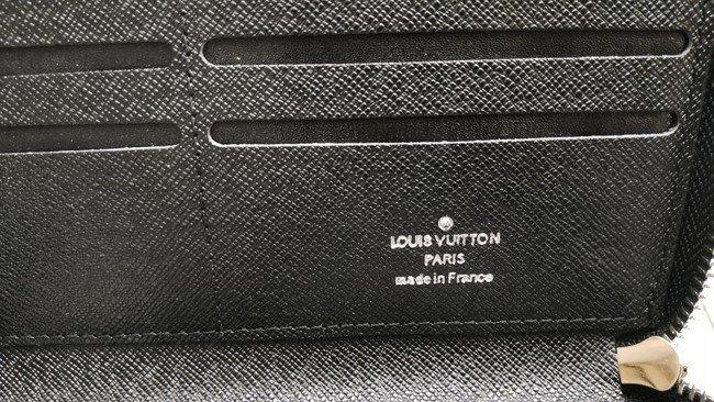 Ví cầm tay nam Louis Vuitton Hà Nội